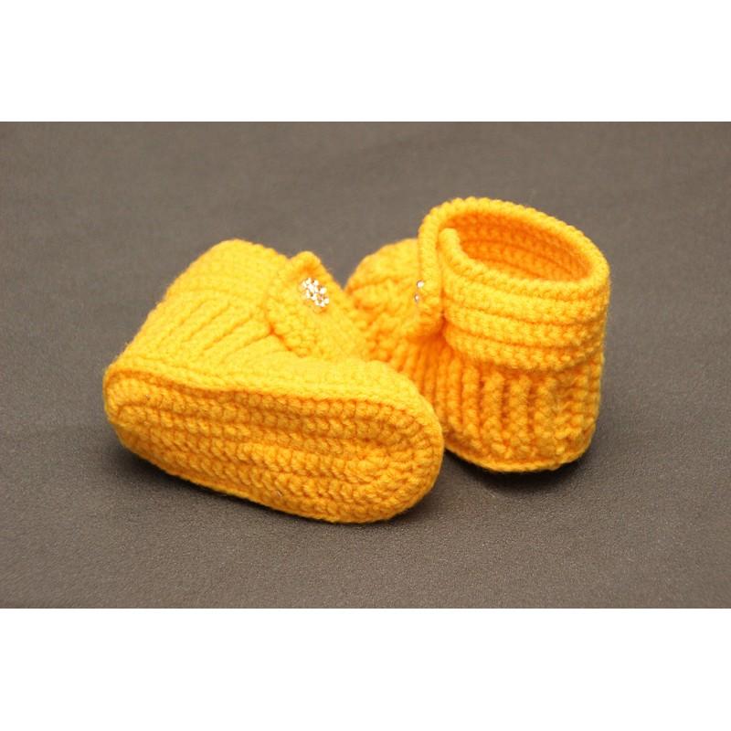 Жёлтые вязаные пинетки-ботиночки