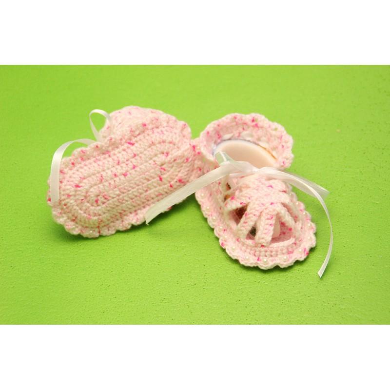 Бело-розовые пинетки-сандалики